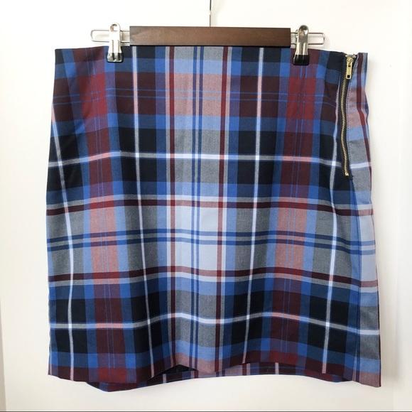 Tommy Hilfiger Dresses & Skirts - NWT Tommy Hilfiger Side Zip Plaid Skirt • Size 12